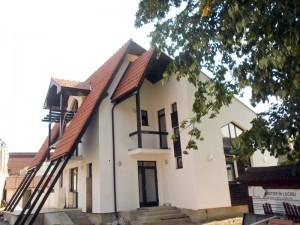Centrul de documentare turistică din Strîmtura,  în construcţie