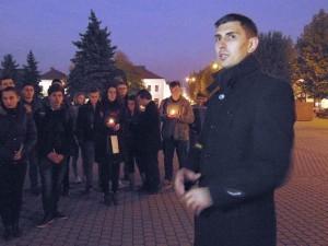 Ciprian Borşan, vorbindu-le manifestanţilor în Centrul Vechi