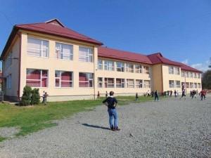 Şcoala generală din centrul de comună