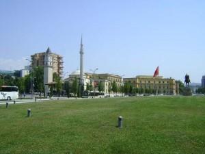 Tirana, Turnul cu ceas şi Moscheea
