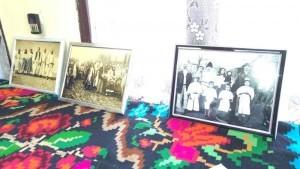 Expoziţie de fotografii vechi ce-i înfăţişează pe şişeşteni