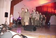 Defilarea elevilor militari
