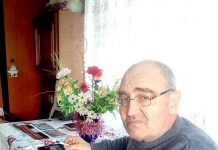 Poetul Ion Iuga Lăpuşanu, la masa de lucru