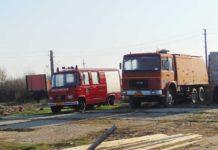 Cele două maşini de pompieri din dotare