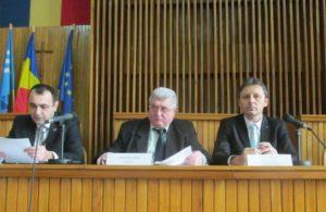 Prefectul Sebastian Moldovan, subprefectul Alexandru Cosma, comisar şef adjunct la CJPC Maramureş - Dacian Manoliu