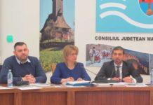Vicepreşedinte CJ Maramureş - George Moldovan, secretarul CJ - Aurica Todoran şi preşedintele CJ - Gabriel Zetea