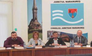 George Moldovan - vicepreşedinte CJ, secretar CJ - Aurica Todoran, preşedinte CJ Gabriel Zetea, vicepreşedinte CJ - Doru Dăncuş