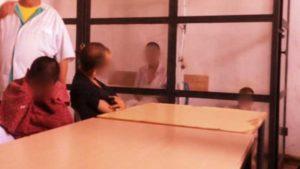 Persoane cu dizabilităţi, închise în cuşti