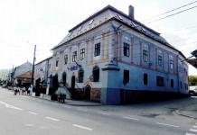 Centrul vechi al oraşului Baia Sprie cu sediul primăriei