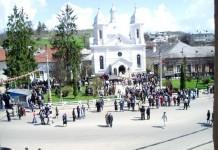 Participanţi la evenimentul religios