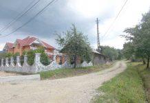 Drum pietruit în satul Ciocotiş