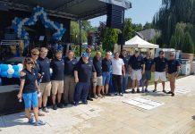 Conducerea UACE împreună cu angajaţii care lucrează de 10 ani în companie