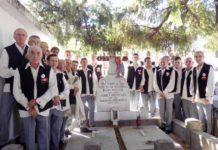 Coriştii din Finteuşu Mare la mormîntul Mărioarei Murărescu