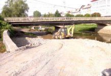 Lucrările la podul vechi