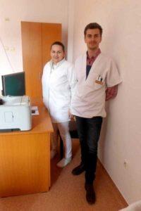Dr. Ștefan Cristescu și asistenta Boga în noul lor cabinet din Tg. Lăpuș