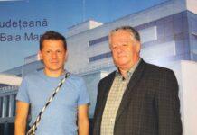 Mircea Cantor, alături de directorul Bibliotecii Județene Petre Dulfu, Teodor Ardelean